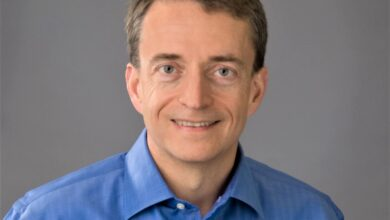 Photo of Intel's Bob Swan to be replaced by VMware CEO Pat Gelsinger in shift that's delighted markets.