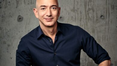 "Photo of ""People yawn"", says Jeff Bezos, stepping down as Amazon CEO. Andy Jassy's not yawning…"